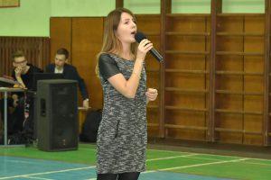 Сольный номер в исполнении Валерии Тюриной
